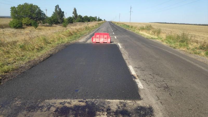 На ділянках ремонту попередніх років автошляху О081491 Бердянського району виконується ліквідація руйнувань у рамках гарантійних термінів